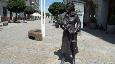 Pomnik Miry Zimińskiej-Sygietyńskiej